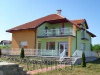 New 3 bedroom house 300 m from the seaside front