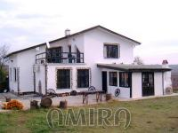 Huge renovated house 32 km from Varna