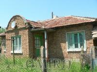 Bulgarian house near a lake front 1