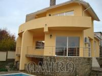 House in Bachik 400 m from the beach front