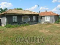Bulgarian house 48 km from the beach front