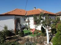Furnished house 8 km from the beach