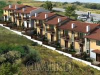 Semi-detached houses 500m from the beach
