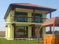 Sea view villa 500 m from a golf course