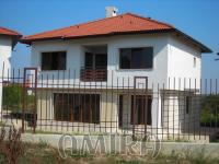 New house in a complex next to Varna