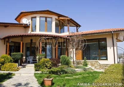 Luxury villa in Balchik 2