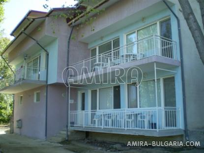 Furnished guest house 450 m from the beach front