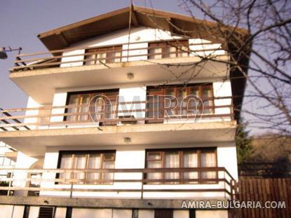 Huge house in Balchik front 3