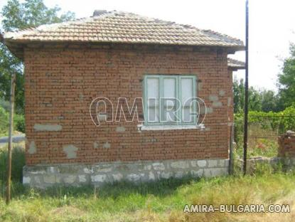 House in Bulgaria 60 km from the beach side 2