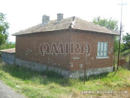 House in Bulgaria 60 km from the beach side 3