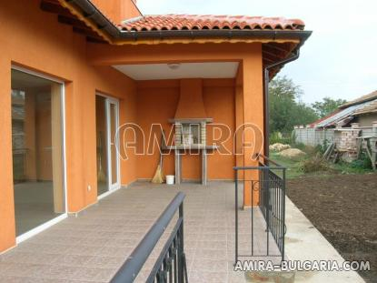 Massive 3 bedroom house 7 km from Balchik veranda