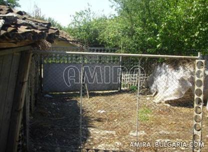 Cheap house in Bulgaria garden 3