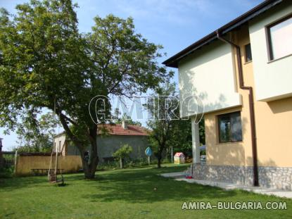 Furnished house in Bulgaria 12 km from the beach garden
