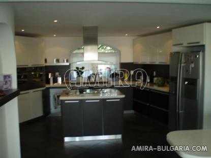 Luxury villa in Varna 3km from the beach kitchen