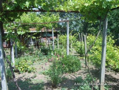 House in Bulgaria 60 km from the beach front 4