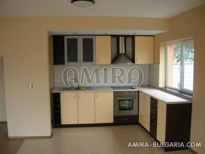 Massive 3 bedroom house 7 km from Balchik kitchen