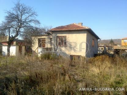 Stone house in Bulgaria 7 km from the beach garden 4