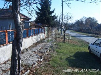 House in Bulgaria road access