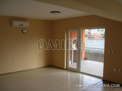 Massive 3 bedroom house 7 km from Balchik living room