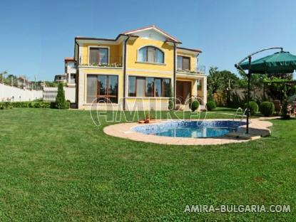 Sea view villa in Varna 3 km from the beach front 3