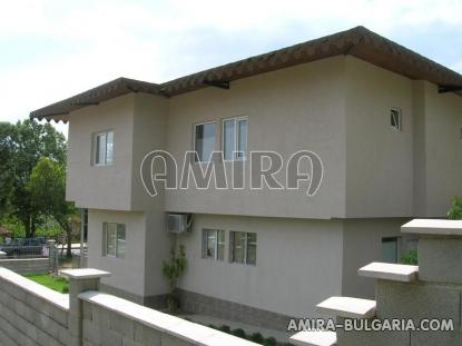 Newly built 3 bedroom house in Bulgaria front 2