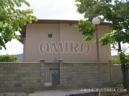 Newly built 3 bedroom house in Bulgaria back 2