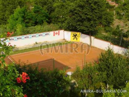 Furnished semi-detached bulgarian house 4 km from the beach tennis court