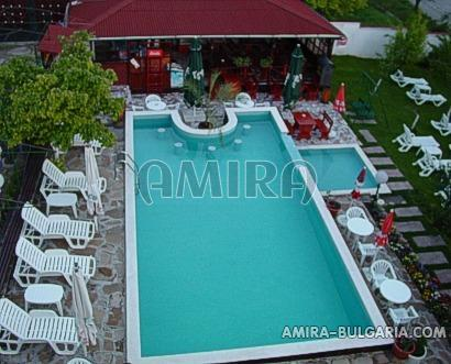 Furnished semi-detached bulgarian house 4 km from the beach pool