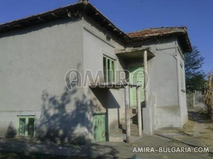 Cheap Bulgarian house 55 km from the beach side