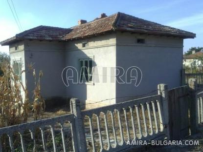 Cheap Bulgarian house 55 km from the beach side 2