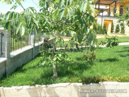 Sea view villa in Balchik garden 3