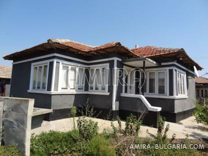 House in Bulgaria 4 km from the beach
