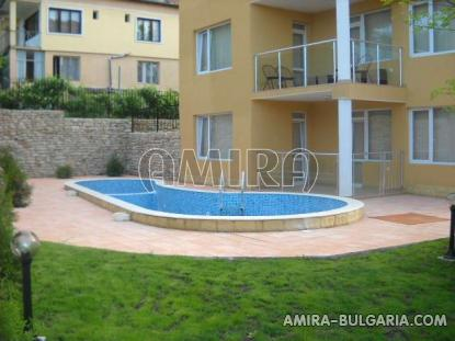 Furnished sea view apartments in Kranevo pool