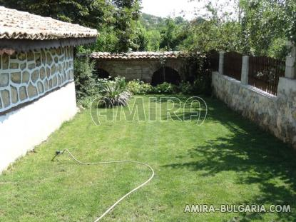 Authentic Bulgarian style house 400 m from a lake 6