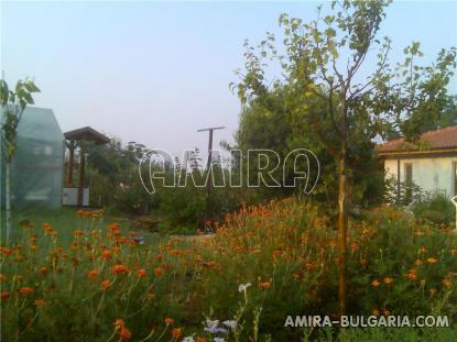 New furnished house 32 km from the beach garden