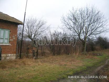 House in Bulgaria 60 km from the beach road access