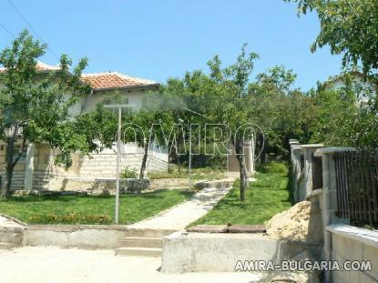 Sea view villa in Balchik garden 6
