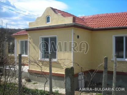 Renovated holiday home 6 km from the beach front 3
