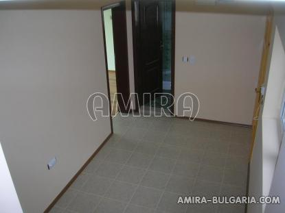 Massive 3 bedroom house 7 km from Balchik entry