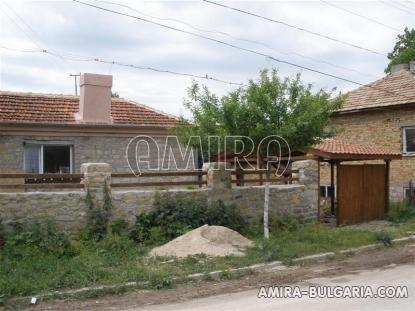 Renovated town house in Bulgaria fence 4