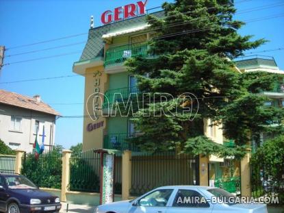 Family hotel in Kranevo side