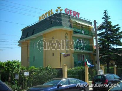Family hotel in Kranevo front