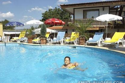 Family hotel in Kranevo pool