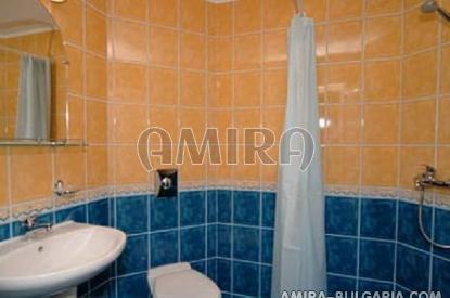 Family hotel in Kranevo bathroom