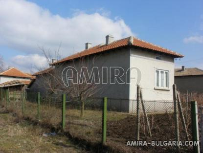 House in Bulgaria 40km from the seaside back