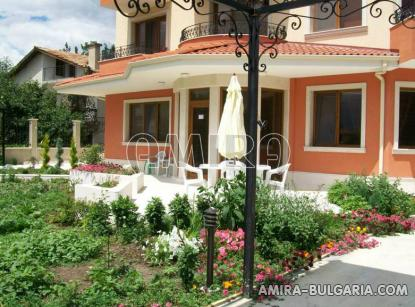 Family hotel in Varna Bulgaria garden 1