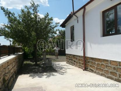 Renovated house in authentic Bulgarian style side