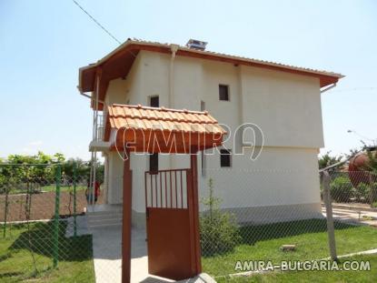 Bulgarian house near a lake 2