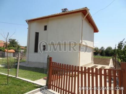Bulgarian house near a lake 3