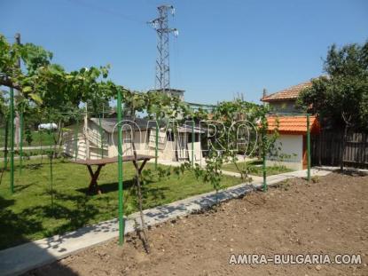 Bulgarian house near a lake 5